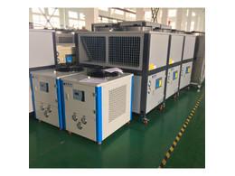 水冷式冷水机,风冷式冷水机塑胶行业中的应用