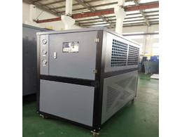工业冷水机生产厂家如何选型?